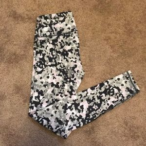 Knockout by Victoria Leggings